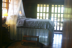 upstairs bedroom in beach villa, beach house for rent in costa rica